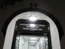 19_Craven Cottage dressing room_800px.jpg